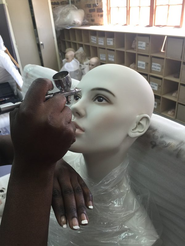 mannequin-works-support-services-face-painting3