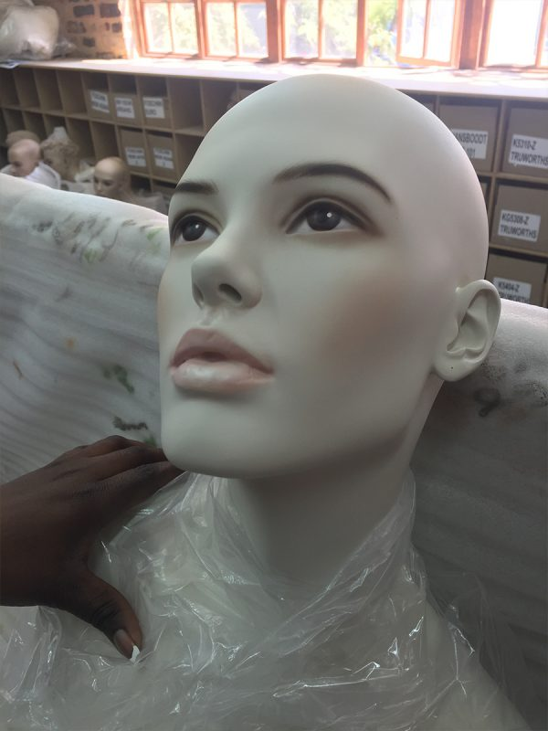 mannequin-works-support-services-face-painting4